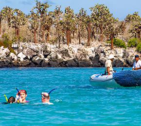 Santa fe Archipel ATC Cruises Galapagos Islands Ecuador