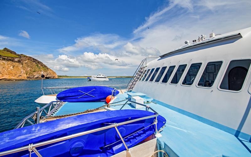 Archipel safety Galapagos Islands ATC Cruises